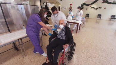 José Alberto Borrego Rodríguez, de 100 años, primer residente del Hogar Provincial que recibe la vacuna